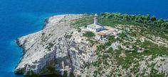 Lys opp: velg et fyrtårn bare for deg selv! Round Tower, Fish Swimming, Adriatic Sea, Rise Above, Slovenia, Lighthouses, Croatia, Centre, Home And Family