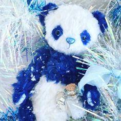 Snowy Panda By Evgenia Golikova - Bear Pile