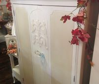 Vintage Finds, Antiques, Home Accents, Distressed Furniture, Wall Decor,  Lighting