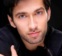 Nakuul Mehta, Prince of Udaipur from Rajput-Chauhan dynasty (Can you say, Prince Charming?)