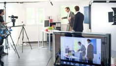 Am Set - für den EventButler Promovideo mit dem Erfolgs Comedy Duo DivertiMento Comedy, Desk, Furniture, Home Decor, Writing Table, Room Decor, Writing Desk, Office Desk, Comedy Theater