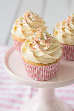 The Sweetest Taste: Cupcakes de vainilla (Receta definitiva)