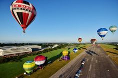 Mass ascent from Filton Airfield marks launch of Bristol Balloon Fiesta 2019 - in pictures - Bristol Live Bristol Balloons, Bristol Balloon Fiesta, Balloon Flights, Balloon Shapes, Darkness Falls, Concorde, 30th Anniversary, Hot Air Balloon, Shots