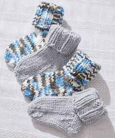 Baby Socks Pattern Knitting First Try At Some Newborn Socks Link To Pattern Httpwww. Knitting For Kids, Knitting Socks, Free Knitting, Knitting Projects, Magic Loop Knitting, Finger Knitting, Knitting Machine, Vintage Knitting, Knit Baby Booties