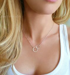 Infinity Necklace Sterling Silver, Interlocking Circle Necklace For Women Silver, Dainty Linked Double Circle Jewelry Gift For Mom,Rose Gold – Dainty Jewelry Interlocking Circle Necklace, Circle Pendant Necklace, Love Necklace, Simple Necklace, Bar Necklace, Nameplate Necklace, Teardrop Necklace, Short Necklace, Cross Pendant