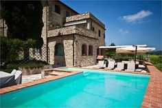 https://overseasrealestate.com/country-list/6245360-5-bedrooms-villa-tuscany-sales