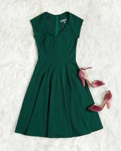 Date Night Done Right A Line Dress : Date Night Done Right A Line Dress When your love offers to take you anywhere you wish, you let this green dress dictate the flavor of the evening. The V neckline, princess seams, cute cap sleeves, and updated stretch Dress Outfits, Casual Dresses, Fashion Dresses, Dress Clothes, Fashion Clothes, Women's Fashion, Holiday Party Outfit, Holiday Dresses, Mod Dress