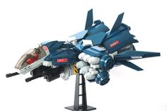 Been a loooong time since I posted anything.  It's a space fighter, with missiles!