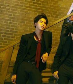Kim Seokjin, whoa nice  look for jin