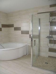 petite salle de bains avec baignoire douche - 27 idées sympas - Exemple De Salle De Bain Avec Douche Et Baignoire