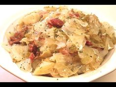 Cabbage Recipes : Southern Cabbage Recipe - Soul food style - I Heart Recipes - Cabbage Recipes Video Cabbage Recipes How to cook southern soul food cabbage in the slow cooker Recipe: Southern Side Dishes, Southern Recipes, Southern Meals, Vegetable Side Dishes, Vegetable Recipes, Slow Cooker Recipes, Cooking Recipes, Crockpot Cabbage Recipes, Ham Hock Recipes