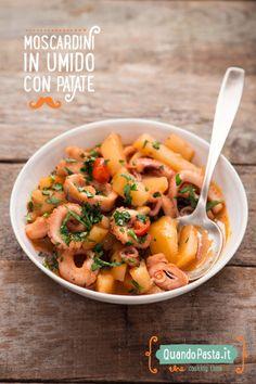 I moscardini in umido con patate sono una ricetta a base di pesce, molto semplice e veloce da preparare per una cena da leccarsi anche il piatto!