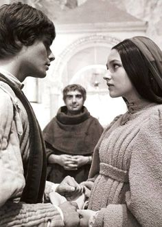 Does anyone know anything about the love in romeo and juliet?