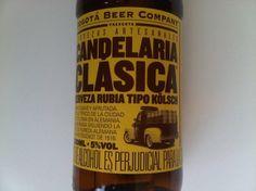 Cerveja Candelaria Clásica, estilo Kölsch, produzida por Bogotá Beer Company, Colômbia. 5% ABV de álcool.