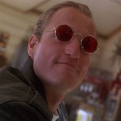 How to make your own Mickey Knox costume from Natural Born Killers. This is a great costume idea for couples for halloween or fancy dress Easy Costumes To Make, Last Minute Costumes, Mallory Knox, Great Costume Ideas, Natural Born Killers, Celebrity Costumes, Color Pairing, Movie Costumes, Biker Style