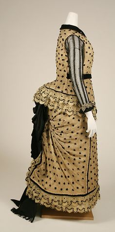 Dress Date: Culture: American Medium: cotton, silk 1880s Fashion, Victorian Fashion, Vintage Fashion, Victorian Era, Antique Clothing, Historical Clothing, Vintage Gowns, Vintage Outfits, Victorian Costume
