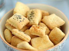 Biscotti salati - Ricetta per aperitivo, foto 2 Savory Snacks, Snack Recipes, Good Food, Yummy Food, Sweet Cupcakes, Biscuit Cookies, Antipasto, Biscotti, Finger Foods
