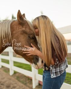 Does anyone else see that the horse smiling?!  Sara Pope Photography / natural light / Brentwood CA / Oakley / Bay Area Photographer / East County / the golden hour / horse / cowgirl / country girl / stables / barn / country / photography / portrait / animal / animals love