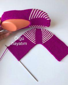 Loom Knitting, Knitting Socks, Knitting Patterns Free, Free Knitting, Baby Knitting, Crochet Patterns, Knit Slippers Free Pattern, Knitted Slippers, Crochet Ripple