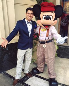 """THIRD time participating in Dapper Day!  """"If you can dream it you can do it. Always remember that this whole thing was started with a dream and a mouse."""" #Disneyland #DisneyCaliforniaAdventure #DapperDayExpo #DapperDay2016 #May2016 #SuitandTie #MickeyMouse by zack_f_gomez"""