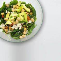 If you are looking for a filling salad to have in lunch, here's a video recipe: www.foodnetizens.com.  #salad #lunch #foodnetizens #recipe #saladrecipe #easyrecipes #videorecipe #food #healthyfood #fitnessfood #avocado #chickpeas #eggs #lunchideas