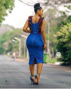 How To Look Classic Like Serwaa Amihere For Plus Size & Curvy Ladies 2019 – Outfits very stylish and always on point when it comes to fashion is known for wearing classic dresses on set which inspire many young ladies. African Fashion Ankara, Latest African Fashion Dresses, African Print Fashion, African Attire, African Wear, African Dress, Look Body, 30 Outfits, African Beauty