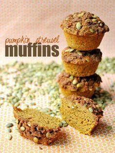 Clean Eating Gluten-Free Pumpkin Streusel Muffins #cleaneating #eatclean #cleaneatingrecipes #muffins #pumpkin