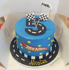 5th Birthday Cakes For Boys, Hotwheels Birthday Cake, Sixth Birthday Cake, Car Cakes For Boys, Hot Wheels Birthday, 4th Birthday, Birthday Ideas, Hot Wheels Cake, Hot Wheels Party