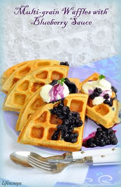 Life Scoops: Healthy Whole Grain Waffles with Homemade Blueberry Sauce Easy Healthy Recipes, Great Recipes, Favorite Recipes, Healthy Food, What's For Breakfast, Breakfast Recipes, Yummy Waffles, Good Food, Yummy Food