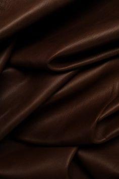 Black Girl Aesthetic, Brown Aesthetic, Aesthetic Photo, Aesthetic Pictures, Aesthetic Colors, Brown Wallpaper, Iphone Background Wallpaper, Phone Backgrounds, Brown Skin