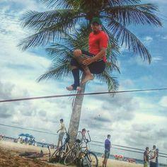 Se Olinda já é bom, imagina com um slack armado na praia... #slackclick #slackline #slackbeach #trickline #olinda #pernambuco