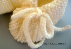 Ein hübsches Babyschuhmodell – The Thousand Mailed Trunk 2020 – Baby Kleid -Kleidung Dresses 2020 Baby Booties, Crochet Baby, Couture, Knitting, Handmade, Bonnets, Search Engine, Nursery, Crafts