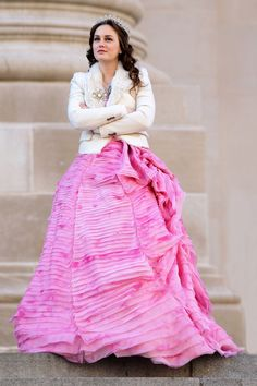 christopherpeterson:    Actress Leighton Meester, wearing a pink gown, films a scene for Gossip Girl on the steps of the Metropolitan Museum in New York City