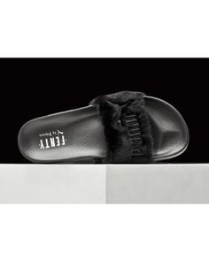 Rihanna x Puma Fur Slides By Fenty Leadcat Slippers Womens Sandals Black 1b49837b6