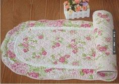 : Shabby and vintage oval wild Rose Quilted Floor runner/rug: Home & Kitchen Shabby Chic Quilts, Shabby Chic Dining Room, Shabby Chic Fabric, Shabby Chic Curtains, Shabby Chic Style, Shabby Chic Furniture, Chabby Chic, Floor Runners, Romantic Shabby Chic