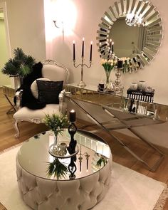 Leaving you with this glamorous decor 😍😍 Stunning 🌟🌟there goes that mirror again 😍 📷 Make sure to double tap🌟 .La imagen puede contener: tabla e interior You could do something similar in your entryway minus the round table of course Decor, Luxury Living Room, Hallway Decorating, Glamorous Decor, House Interior, Apartment Decor, Living Room Decor Cozy, Home Interior Design, Living Decor