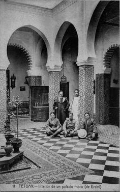 Interior de la casa-palacio de la familia Erzini en Tetuánقصر عائلة الرزيني بتطوان
