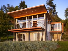 Look At Me! Extroverted And Attention-Grabbing Homes - Explore, Collect and Source architecture