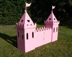 Cardboard Large Princess Castle (pink) by Kid-Eco Disney Princess Birthday, Cinderella Birthday, Princess Theme, Disney Princess Castle, Cardboard Castle, Cardboard Crafts, Cardboard Playhouse, Box Houses, Play Houses