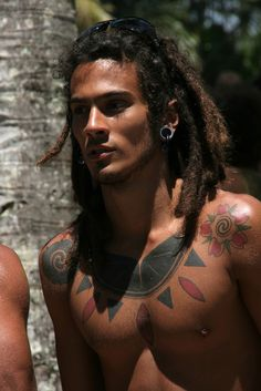 I love the dreads on this inked beauty from the Men With Long Hair FB page. Dreadlocks, Gorgeous Men, Beautiful People, He's Beautiful, Beautiful Men Bodies, Hello Gorgeous, Natural Hair Styles, Long Hair Styles, Hair Magazine