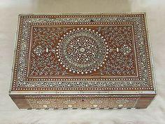 ANGLO INDIAN SHISHAM WOOD HASHIARPUR DRESSING CABINET LARGE BOX