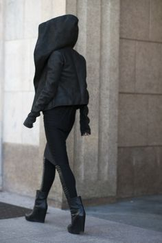 Full Rick Owens during MFW FW15. via http://bleumode-noir.tumblr.com/post/112300002945/full-rick-owens-during-mfw-fw15