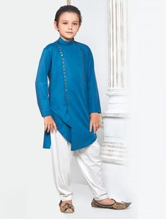 Shop latest boys pathani kurta suits online for 1 to 16 year kids. Buy Latest collection of kids pathani suits sets for wedding, festivals & party wear. Indian Men Fashion, Kids Fashion, Pathani Kurta, Boys Kurta Design, Boys Online, Boys Suits, Kurta Designs, Kids Wear, Party Wear