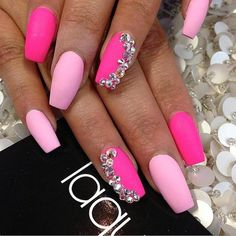 In search for some nail designs and ideas for the nails? Here is our list of 29 must-try coffin acrylic nails for trendy women. Fancy Nails, Bling Nails, Trendy Nails, Pink Bling, Fabulous Nails, Gorgeous Nails, Hot Nails, Hair And Nails, Diy Ongles