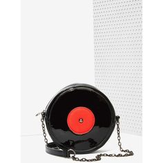 Nasty Gal x Nila Anthony Spin Me Round Crossbody Bag (165 BRL) ❤ liked on Polyvore featuring bags, handbags, shoulder bags, black, black crossbody, black purse, chain shoulder bag, crossbody handbags and black shoulder bag