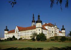 Klášterní Hradisko Czech Republic, Places To Visit, Mansions, House Styles, Home Decor, Photos, Mansion Houses, Homemade Home Decor, Villas