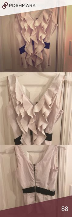 Cute Top by Alythea Cute Ruffled White Top Size Medium by Alythea Alythea Tops