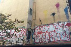 Obra anónima en el barrio del Raval. #ArtSocietatEducació2016 #tags