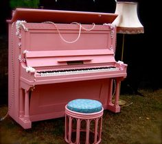 My girls love their piano lessons.if only on a pink piano! Perfect Pink, Pink Love, Pale Pink, Pretty In Pink, Pink Purple, Pink Piano, My Favorite Color, My Favorite Things, Wonderful Things