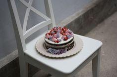 Děvče u plotny - Čokoládový Naked Cake Naked, Desserts, Food, Tailgate Desserts, Deserts, Eten, Postres, Dessert, Meals